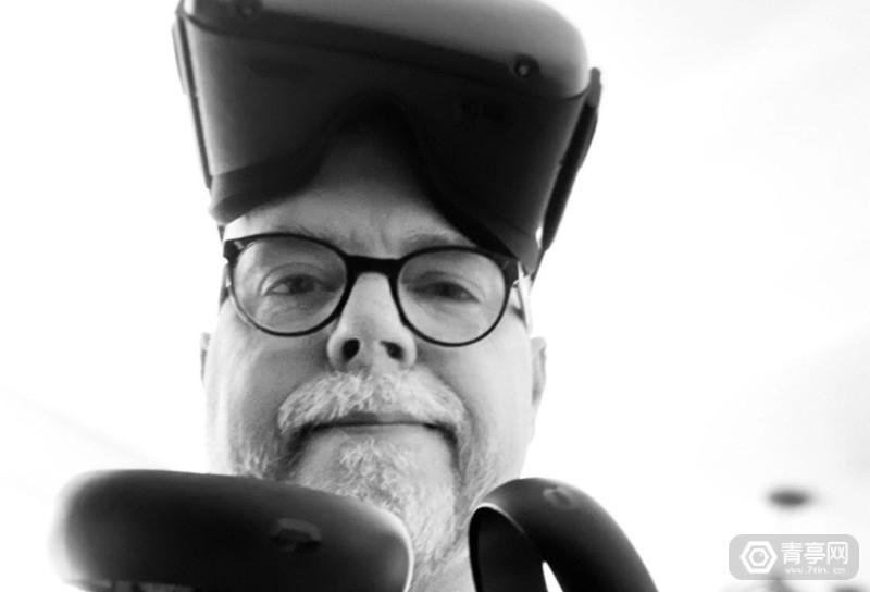 Tom-Hall-Resolution-Games-VR-Headshot-1024x1024_meitu_1