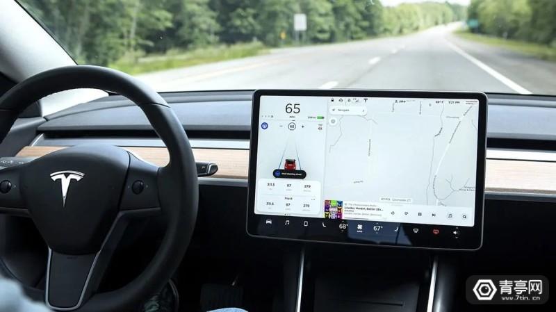 CR-Cars-InlineHero-Tesla-Model-3-Hands-off-6-18