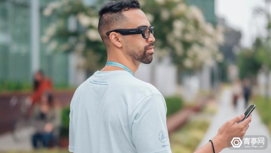 Facebook首次公布智能眼镜,与雷朋合作,无显示模块