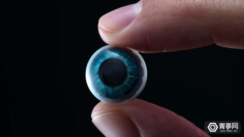 AR隐形眼镜Mojo Visionp-1-MojoWebHeroShotofLens
