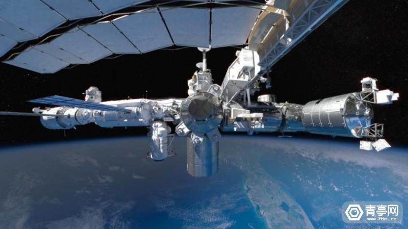 SpaceExplorers_1