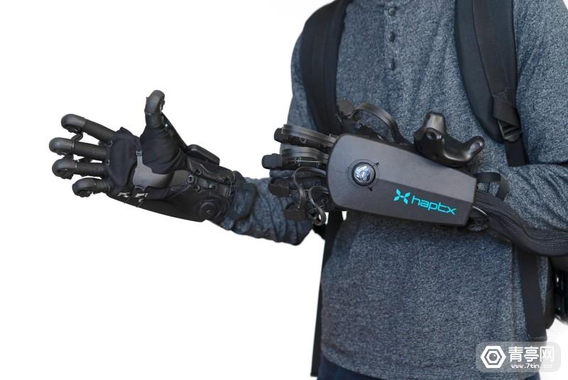 HaptX-Gloves-DK2-Two-Hands-scaled