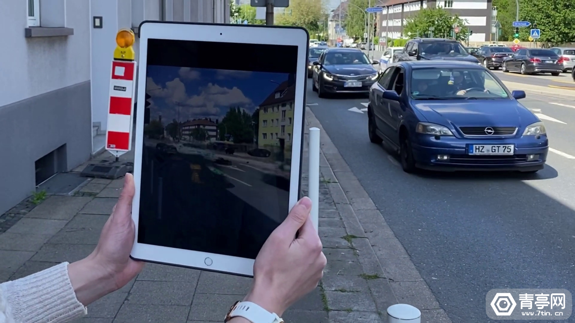 汽车秒变大黄蜂,这项实时AI研究让我们看到了AR的未来